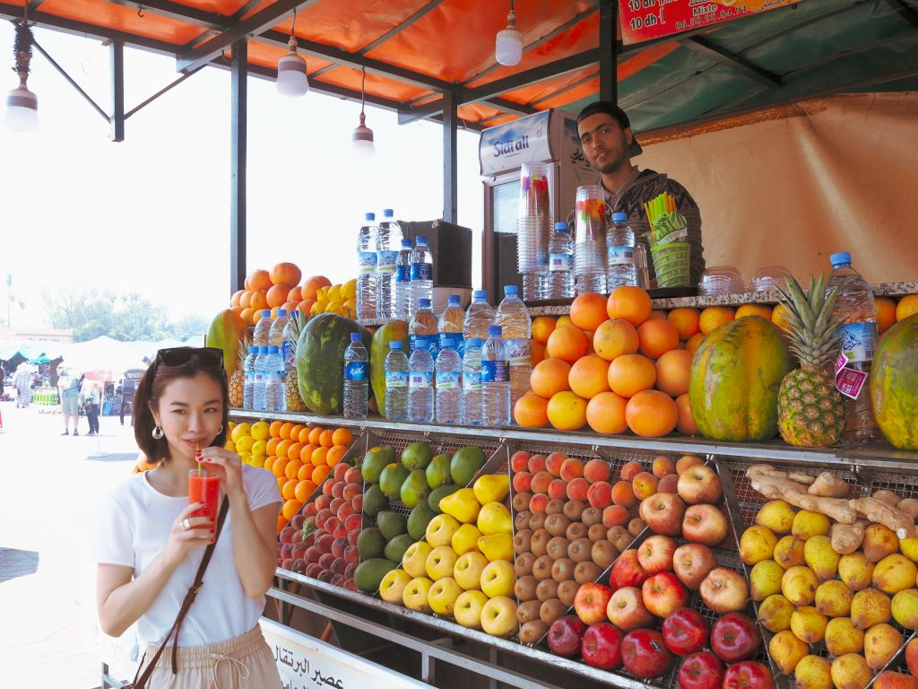 フナ市場のオレンジジュースの屋台