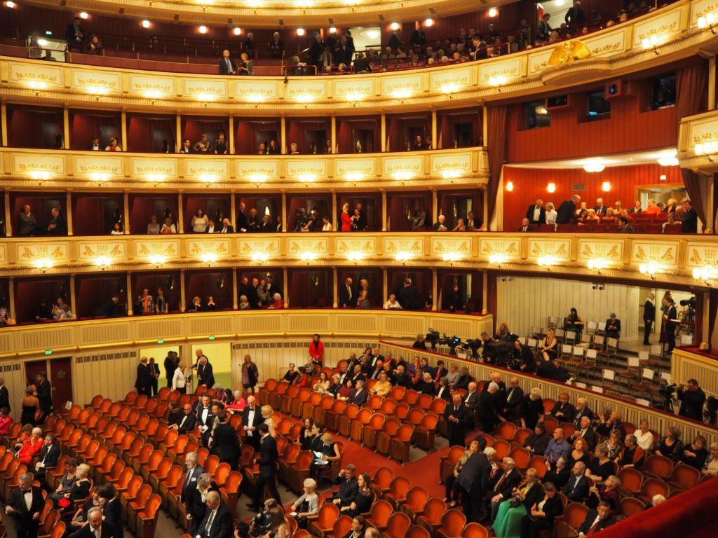 国立オペラ座の中
