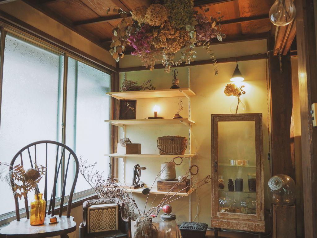 燕カフェの入口