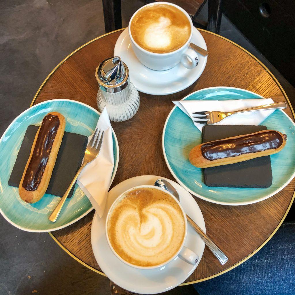 Cafe La Maisonのエクレア